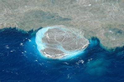 [Imagem: el+hierro+eruption+october+2011.jpg]