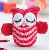 http://www.letsknit.co.uk/free-knitting-patterns/olive-the-owl