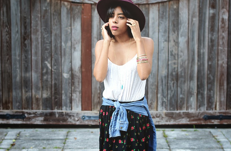 Miami Fashion Blogger Anais Alexandre of Down to Stars in a Forever 21 top with an ASOS hat and a vintage skirt with Forever 21 jewelry