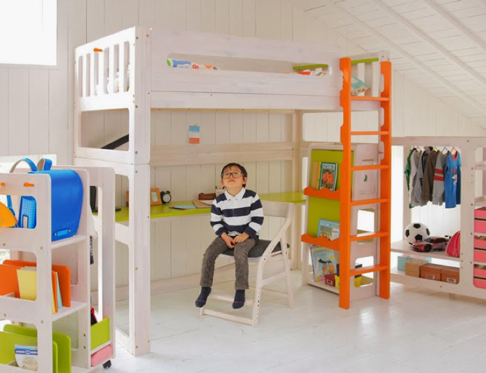 Japanese bunk bed with the desk