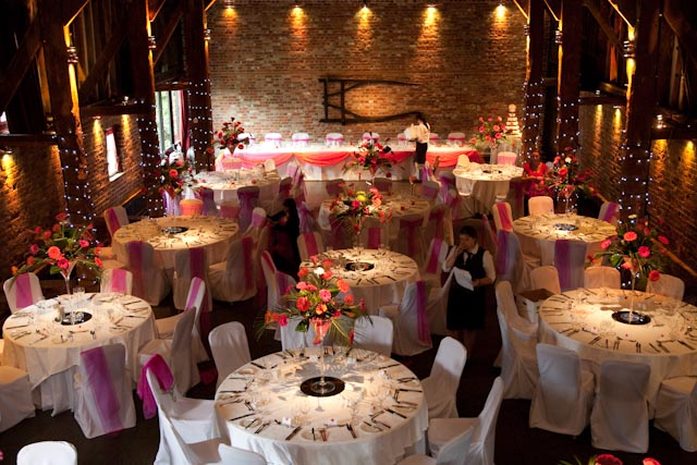 Lucy And Reece Married At The Weekend Fabulous Cooling Castle Barn Have Been Planning Their Wedding For Over Eigh Months Now