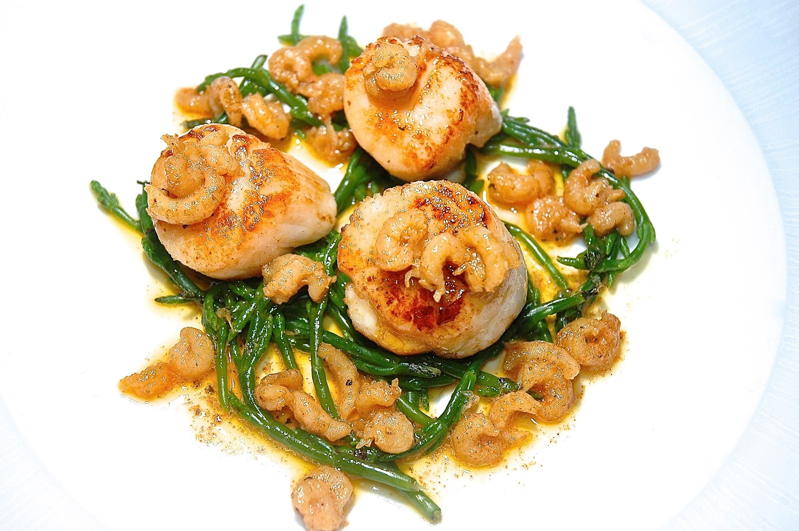 nueva cocina: Hand Dived Scallops, Potted Shrimp Butter, Samphire