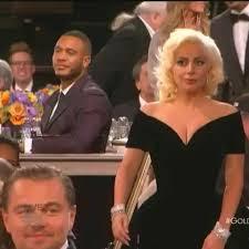 La scène fait pouffer de rire le web. En allant chercher son prix lors de de la 73e soirée des Golden Globes, Lady Gaga a légèrement bousculé Leonardo DiCaprio.