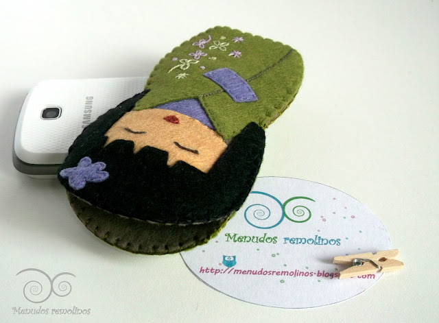 Funda de móvil Modelo Kokeshi Verde