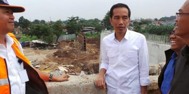 Curhat Jokowi di Meja Makan