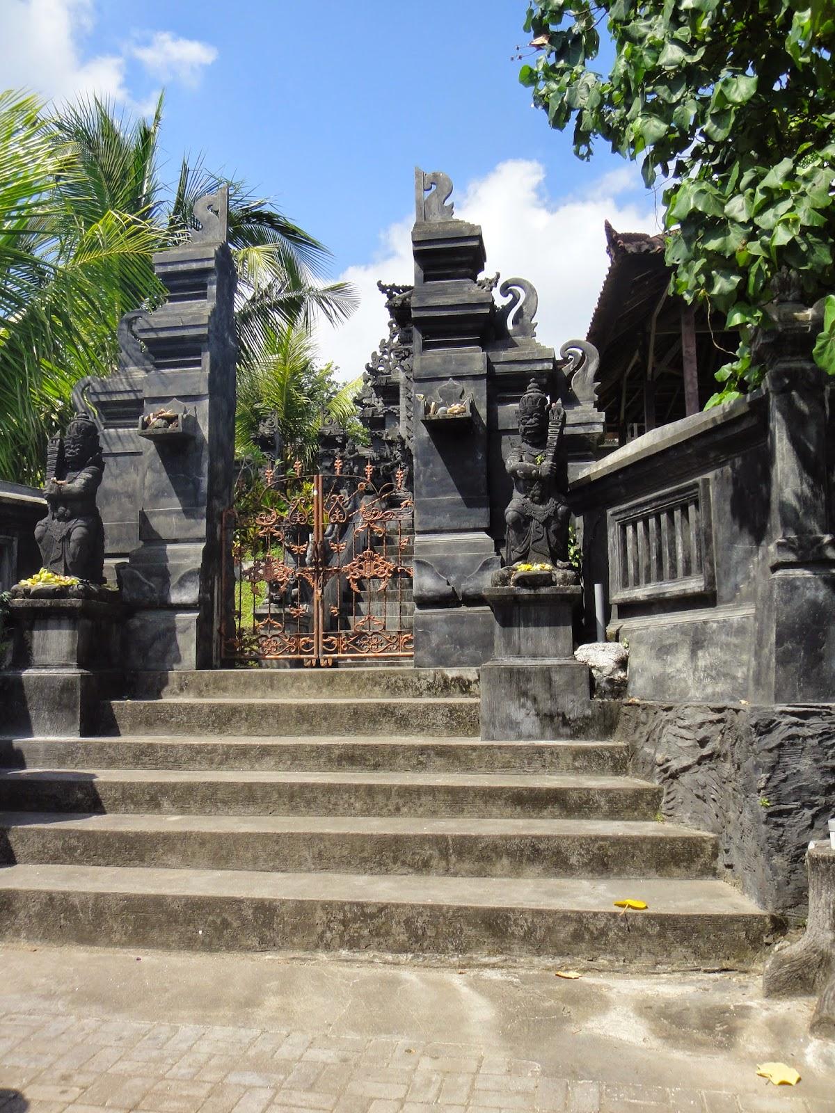 Pura Tanah Lot Bali Entrance