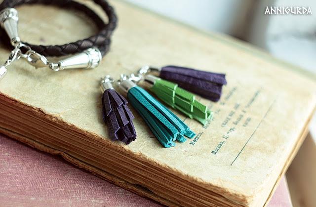 украшения, бижутерия, браслеты, браслеты из кожи, кожа, черный, кисточки, яркий, цветной