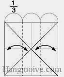 Bước 3: Tạo nếp gấp tờ giấy bằng cách gấp hai cạnh vào trong sau đó lại mở ra.