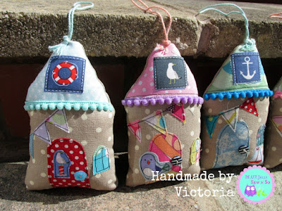 Shabby_Chic_Fabric_beach_Huts_Houses_1