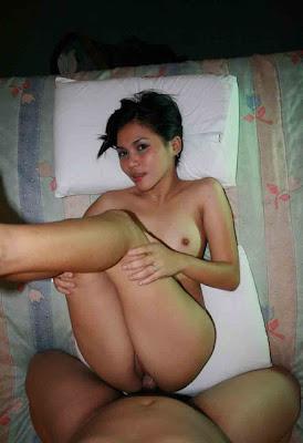 2 Foto Perawan ABG Manis Ngentot Memek Sempit