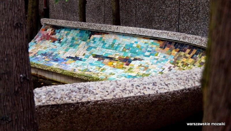 warszawskie mozaiki fontanna dekoracja Praga Południe Warszawa dekoracja PKP Instytut Kolejnictwa