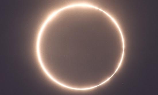 Gerhana Matahari Terakhir di 2013 Terjadi Hari Ini