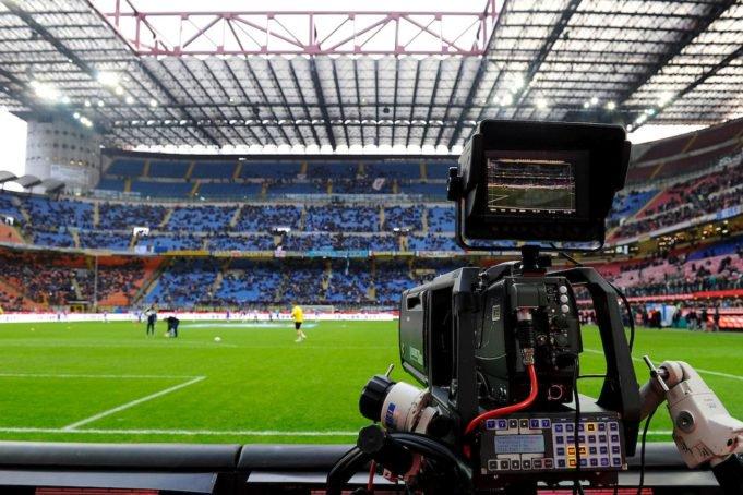 Diretta Calcio Napoli Cagliari Streaming Milan Roma Gratis Partite Da Vedere In Tv Stasera