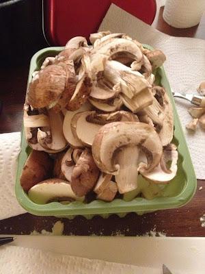 sliced chestnut mushrooms