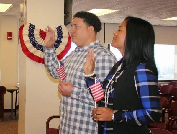 Bartolo Colón y su esposa Paula ya son ciudadanos de Estados Unidos de América