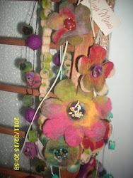 Flores e bolinhas feltradas