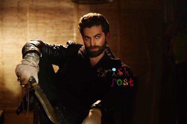 neil nitin mukesh as wazir with dagger in bejoy's amitabh farhan starer bollywood movie