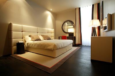 Image-Modern-Hotel-Bedroom-Design-Concept