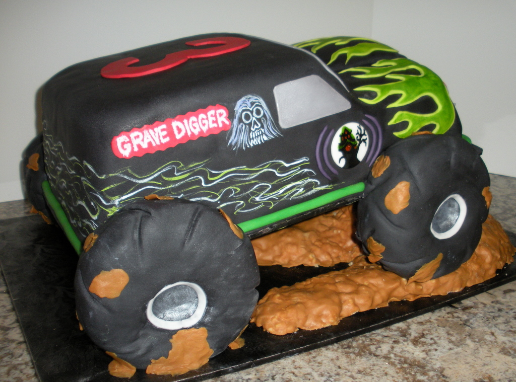 Cakes Birthday Party: Monster Truck Birthday Cake
