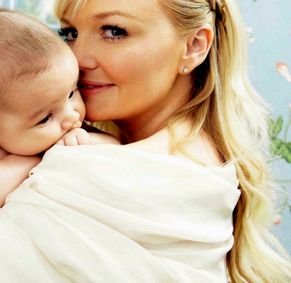 Emma Introduces Baby Tate | Spice Girls Daily