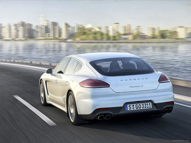 Porsche Panamera Plug-In Hybrid Car Wallpaper