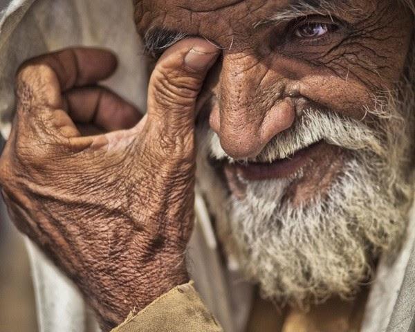بورتريه رجل عربي مسن