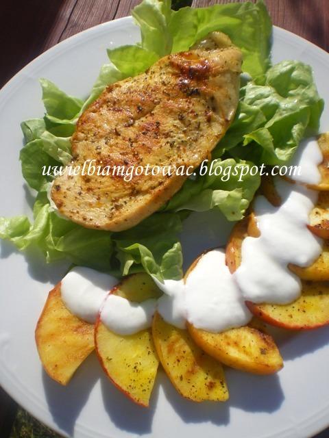 Kurczak grillowany z jabłkiem