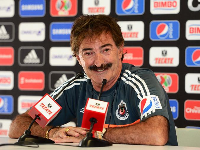 Ricardo Antonio La Volpe sorprende con una estrategía legal contra el Guadalajara.