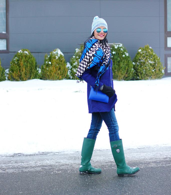 Snow Outfits Ideas, Winter Layering Outfits, Kamik 'Jennifer' Rain Boots, Green Rain Boots, Hunter Boots Lookalike, Blue Zara Coat