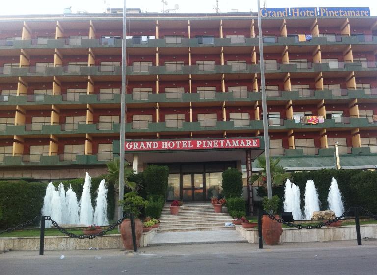 Grand Hotel Pinetamare Villaggio Coppola