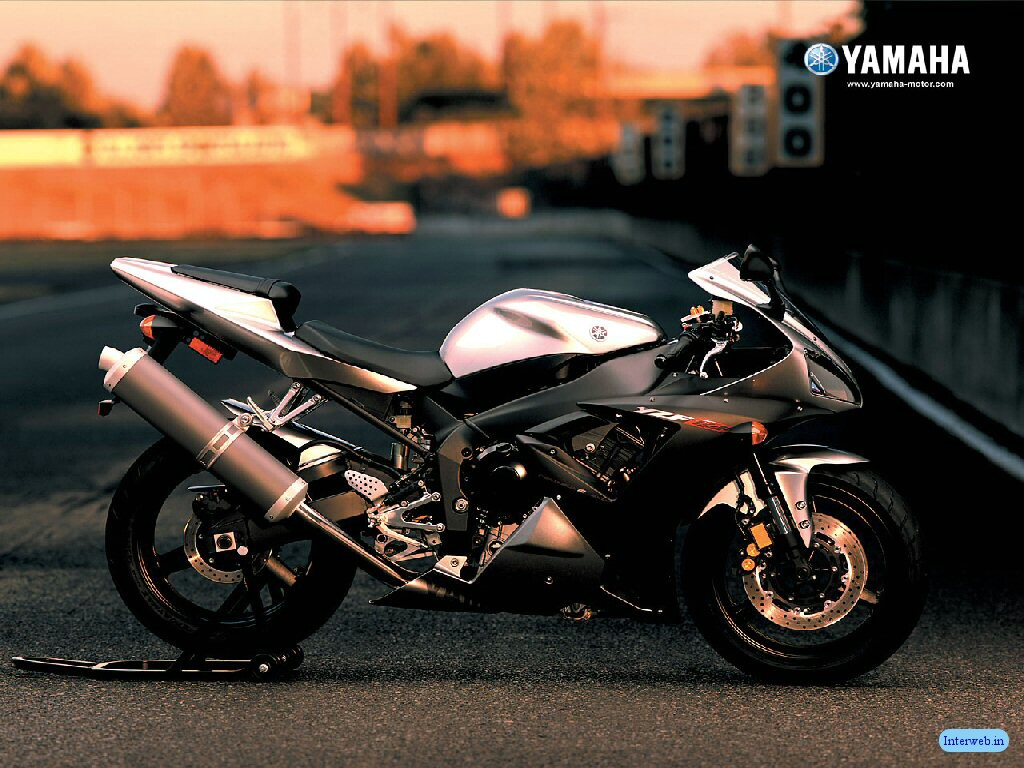 Fast havey bikes yamaha sports bike for Yamaha sport motorcycles