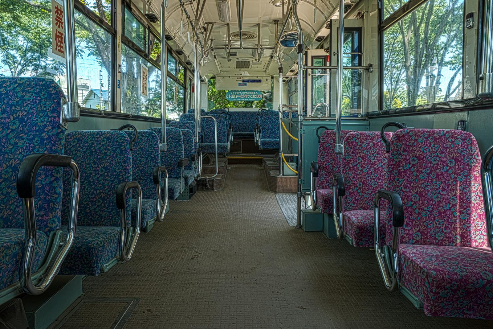 府中市交通遊園の京王バス 日産ディーゼル KC-JP250NTNの車内の写真 HDR