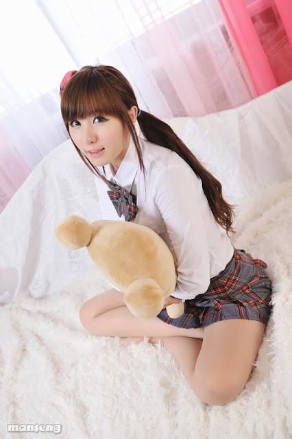 Model Ryu Ji Hye