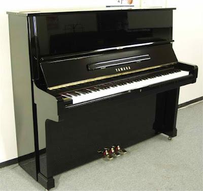 dan Piano Brandnew Yamaha U2