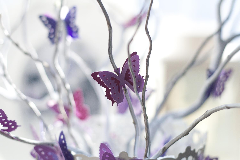 Картинки 8 марта с бабочками