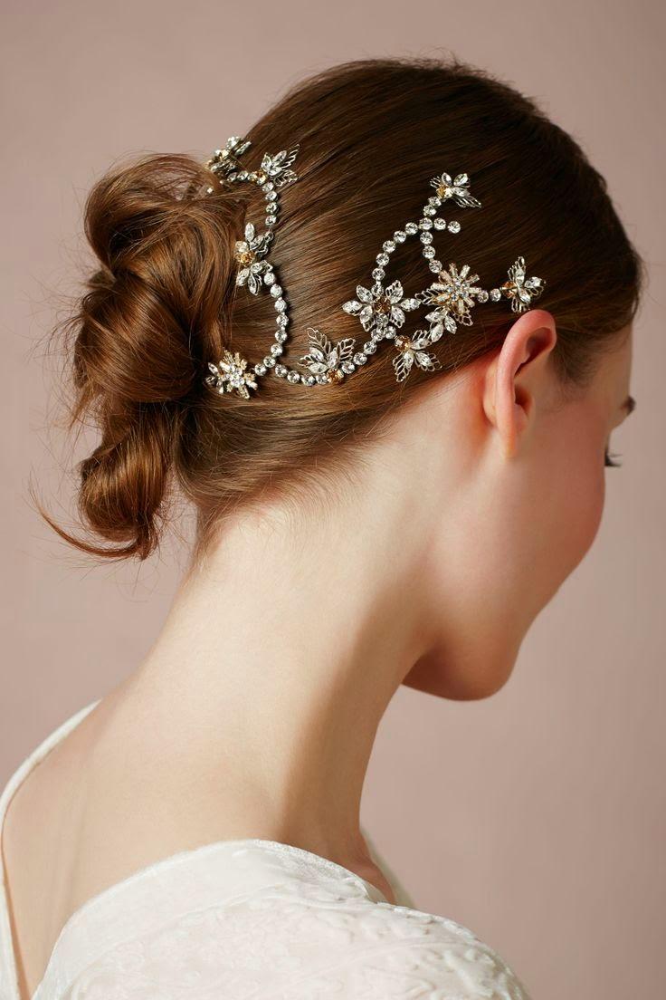 para el pelo que harán que la novia quede preciosa el dia de su boda.Son adornos sencillos pero no por eso menos atractivos.