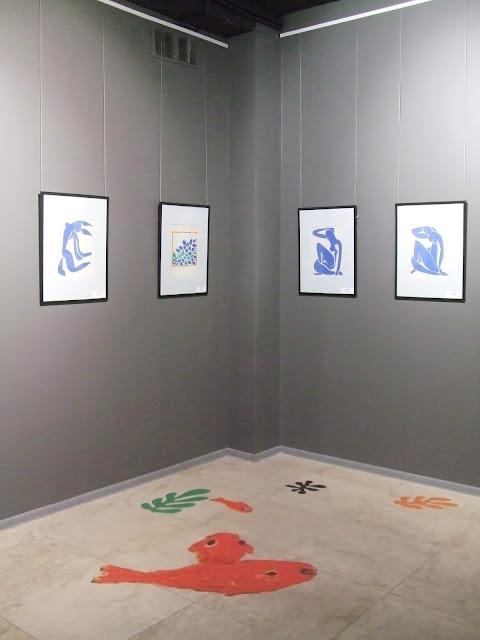 """Выставка """"Великие классики ХХ века"""" в галерее """"Дом картин"""": работы М. Шагала, С. Дали, А. Матисса."""