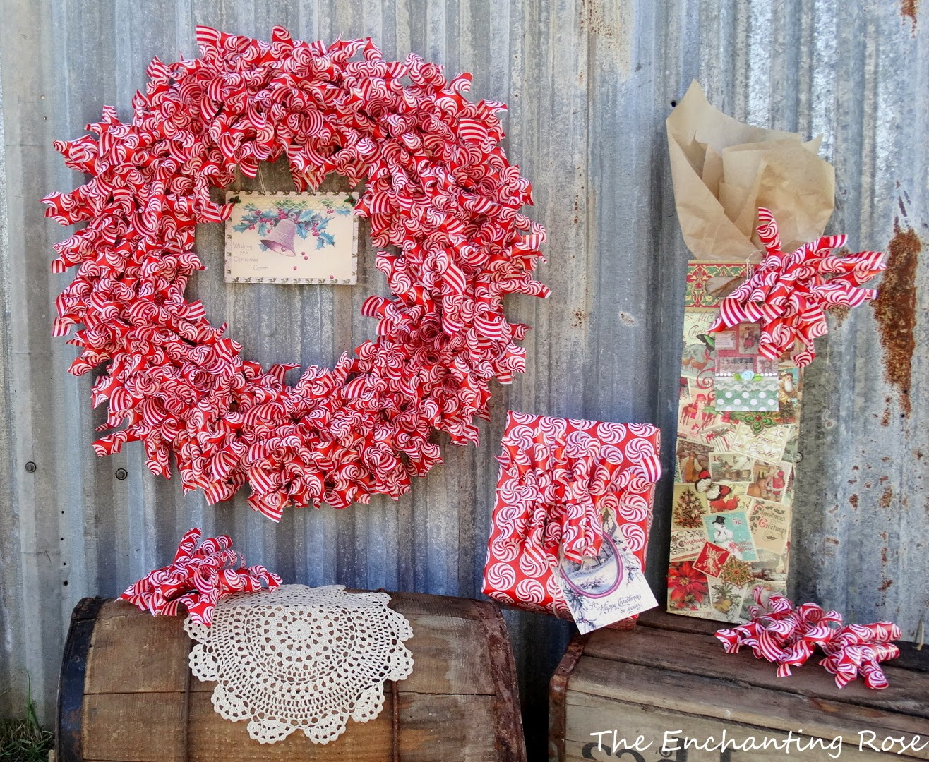 http://theenchantingrose.blogspot.com/2014/11/holiday-wrapping-paper-wreath.html
