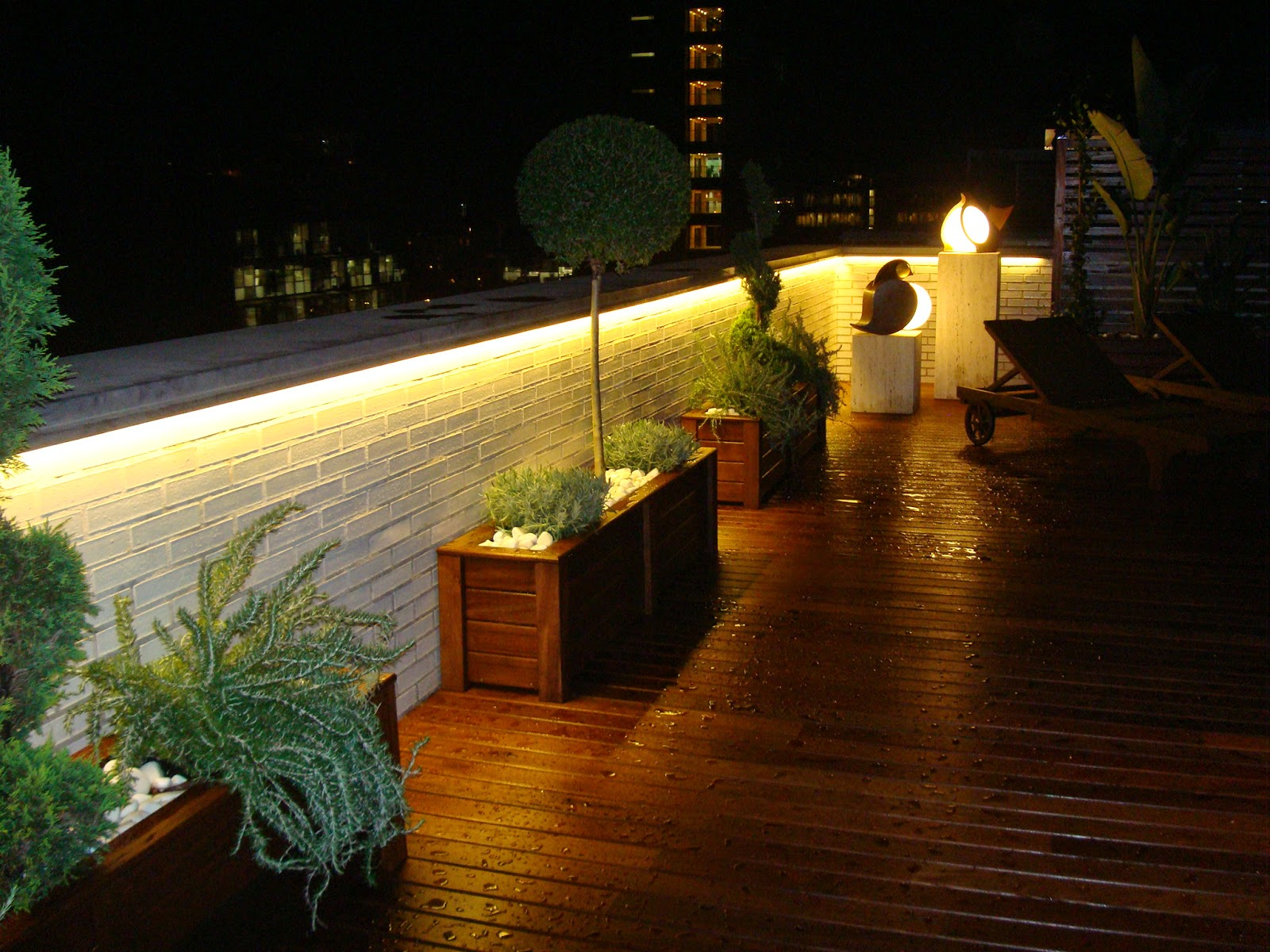 El blog del electricista tiras led for Iluminacion led solar para jardin