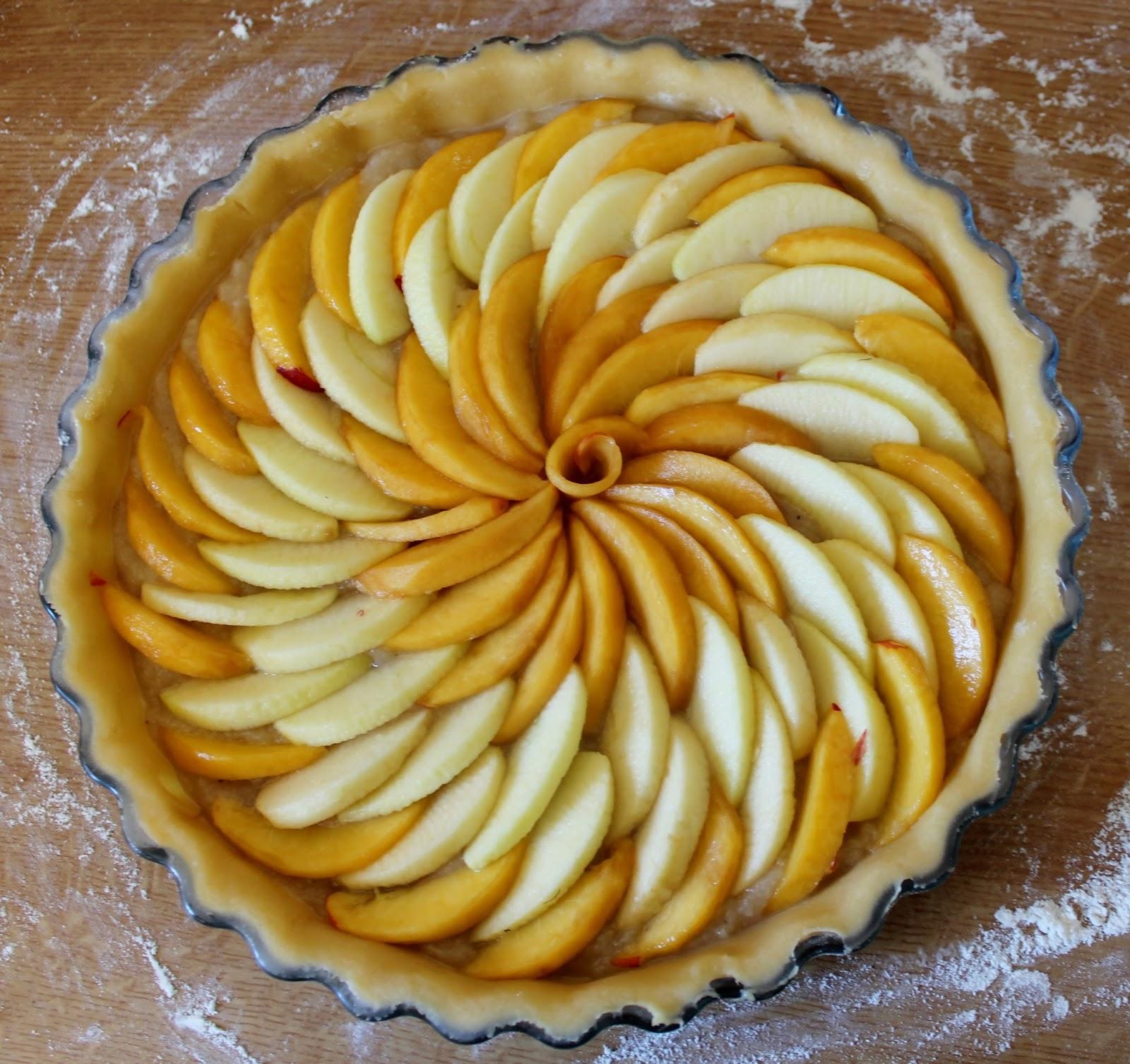 Tarte aux pommes et aux nectarines - Maison de la pomme et de la poire ...