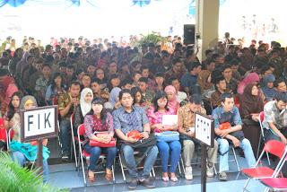 3.100 orang Mahasiswa Baru menghadiri Acara Pengarahan Mahasiswa Baru Angkatan 22 di Kampus Meruya