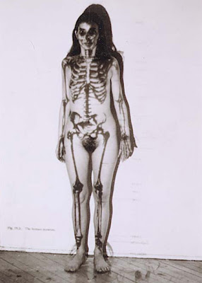 Ana Mendieta Ana_mendieta-Momo-Galerie-Romaric-Tisserand-margherita-ratti
