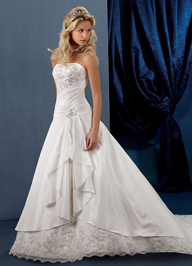 wedding dress designs pictures. Alfred Sung ridal gown are