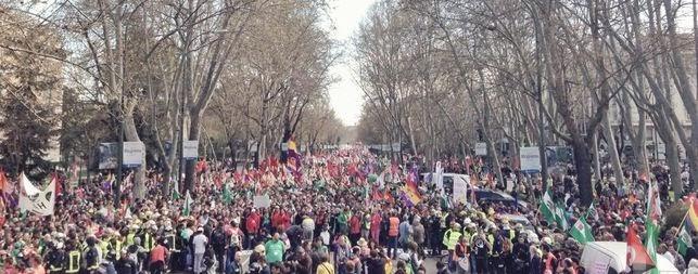 22M Manifestación multitudinaria en Madrid, joven pierde testículo, joven pierde ojo