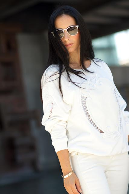 Sudadera bordada blanca