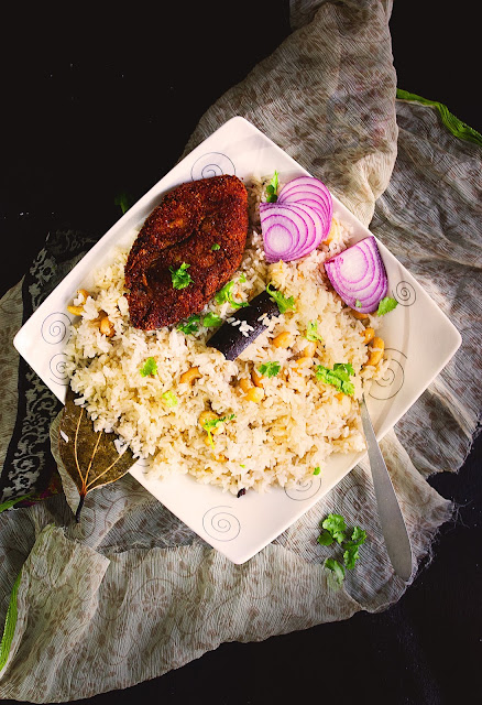 rice pilaf with cashew and raisins