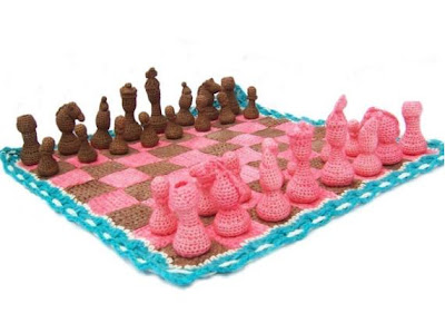 Cool and Unusual Chess Sets (15) 12