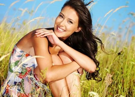 Tips Menjadi Wanita Yang Selalu Bahagia - www.NetterKu.com : Menulis di Internet untuk saling berbagi Ilmu Pengetahuan!