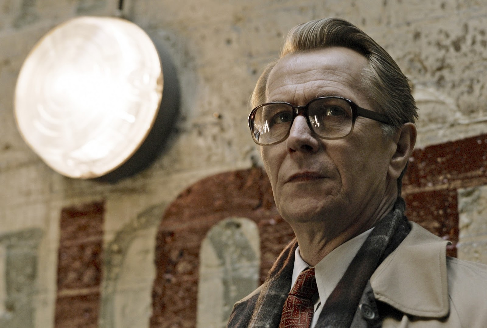 http://3.bp.blogspot.com/-Sy3ubkTgeJo/TvBNzelKnbI/AAAAAAAAH40/mCWojjjRWoY/s1600/Tinker+Tailor+Soldier+Spy+Gary+Oldman+as+George+Smiley+glasses.jpg