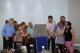Governador José Melo inaugura primeira UTI Pediátrica na área de doenças tropicais infectocontagiosas do Estado